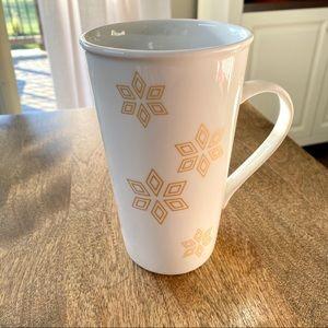 Starbucks 18 oz / 532 ml gold snowflake mug